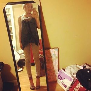 Outfit! Top, jeans and shoes! Can separate